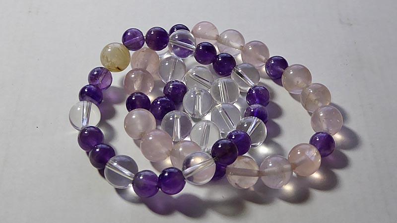 水晶、紫水晶、ピンク水晶のブレスレット